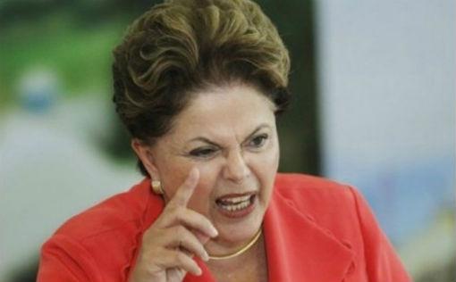 Dilma-sanciona-lei-dos-caminhoneiros